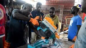 Macky Sall appelle à la promotion de l'entreprenariat des jeunes artisans