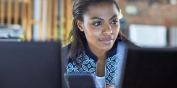 Métiers du numérique : Orange et OpenClassrooms garantissent formation et emploi