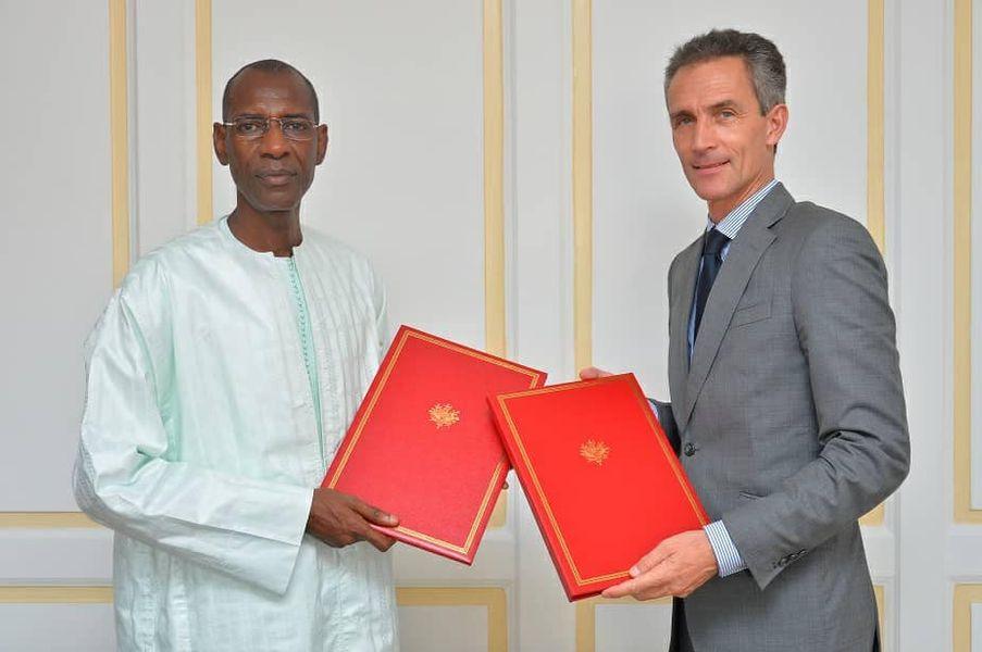 Initiative de suspension du service de la dette (ISSD) : le Sénégal et la France signent un nouvel accord de 13, 7 milliards de FCFA.